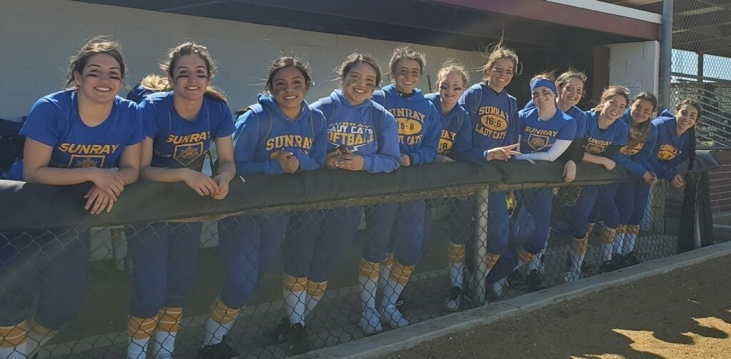Ladycat Softball at a tournament